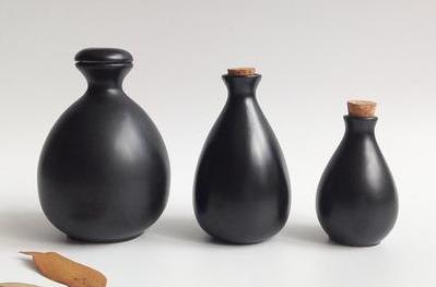 陶瓷酒瓶作为储酒容器的一些突出优点