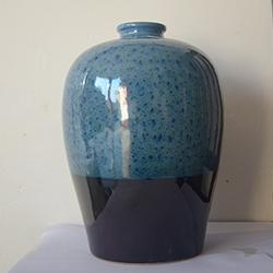 蓝釉陶瓷酒瓶