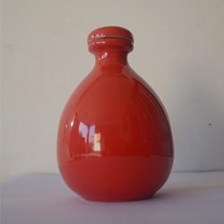 红釉小酒瓶